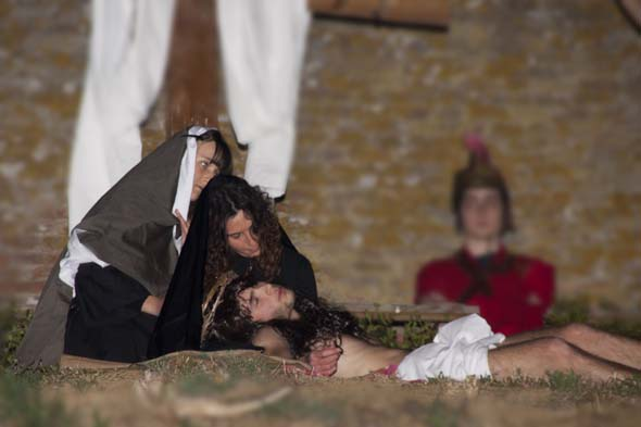 You are browsing images from the article: La Passione di Cristo Pasqua 2012