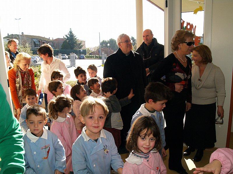 You are browsing images from the article: VISITA DEL VESCOVO ALLE SCUOLE E AL CASTELLO